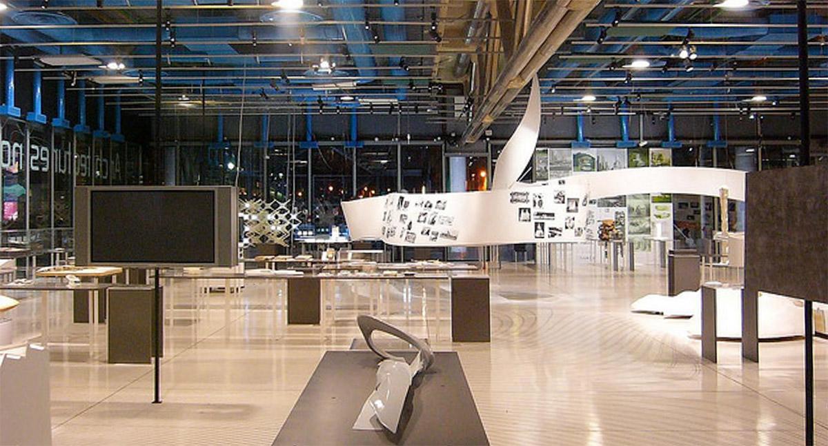TT Monument | Non Standard Architecture | Centre Pompidou 2003