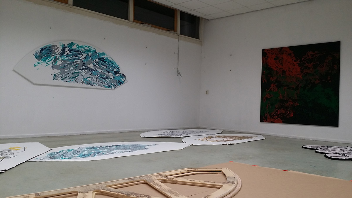 studio Vondelweg | framing circular robotic paintings